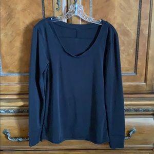 Black lululemon long sleeved top